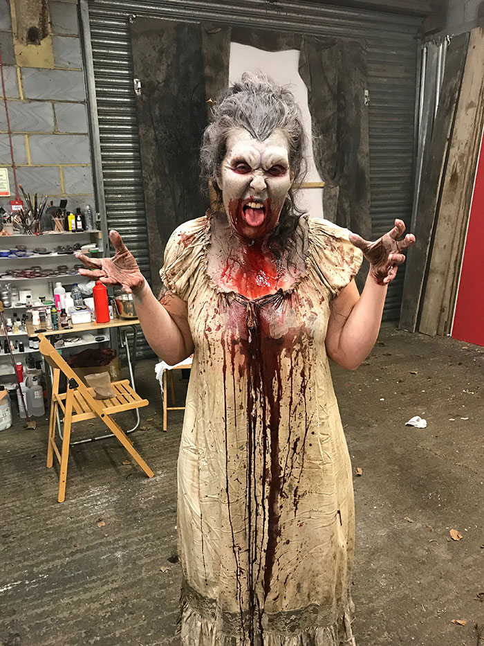Click to buy print - 09 BTS - Isabella the Vampyre - Gross